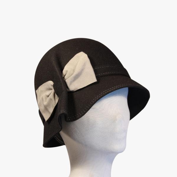 Cappello a cloche in feltro di lana 0a10c3f539b8