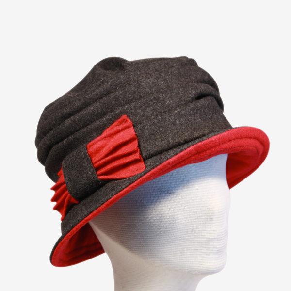 Cappello a cloche in lana cotta con fiocco 5ff17712b104